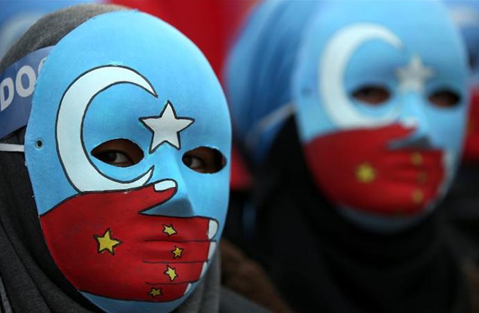 ABD'li senatörlerden Çin'e karşı Uygur tasarı