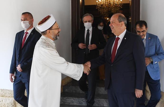 Diyanet İşleri Başkanı Erbaş'tan KKTC'nin yeni cumhurbaşkanı Tatar'a ziyaret