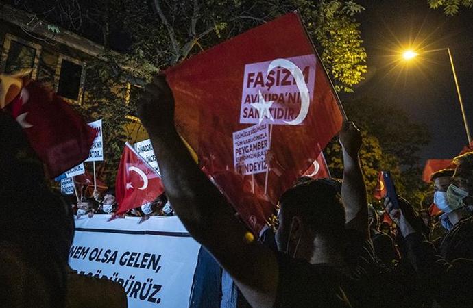 STK'lardan Fransız büyükelçiliği önünde gösteri