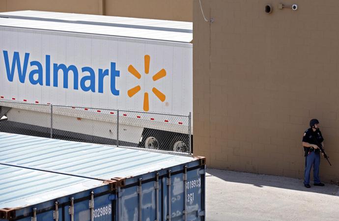 ABD'de Wallmart marketleri, silah ve mühimmat reyonlarını boşalttı