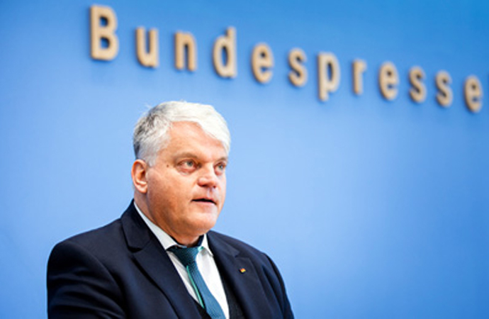 Alman hükümetinden 'din özgürlüğü' raporu