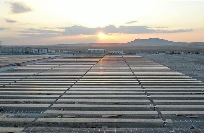 Gelecek 5 yılda Türkiye'nin en ucuz enerji kaynağı 'güneş' olacak