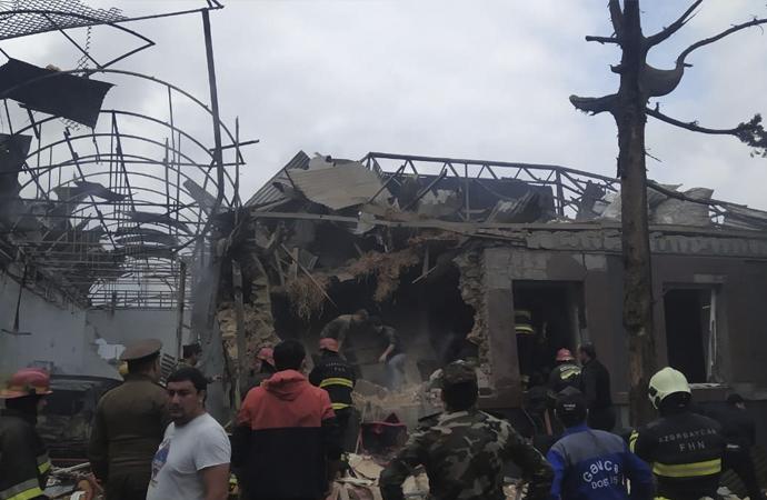 Ermenistan, kent merkezlerini ve köyleri vuruyor
