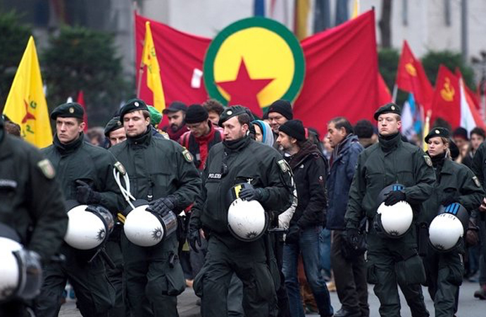 Almanya'da PKK yöneticilerine karşı 1220 dava