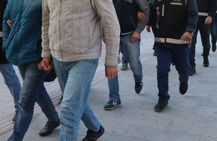 İzmir Menemen Belediye Başkanı ile 23 kişi gözaltına alındı