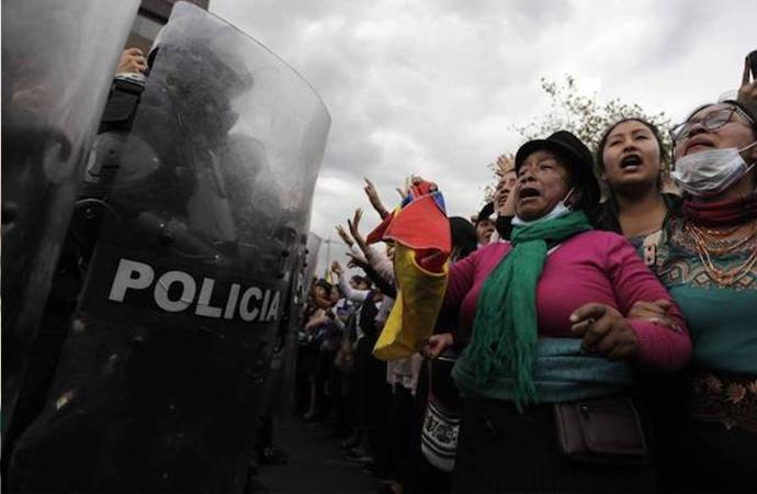 Ekvador'da İçişleri Bakanı görevden alındı