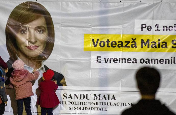 Moldova'da Batı yanlısı Sandu cumhurbaşkanı seçildi