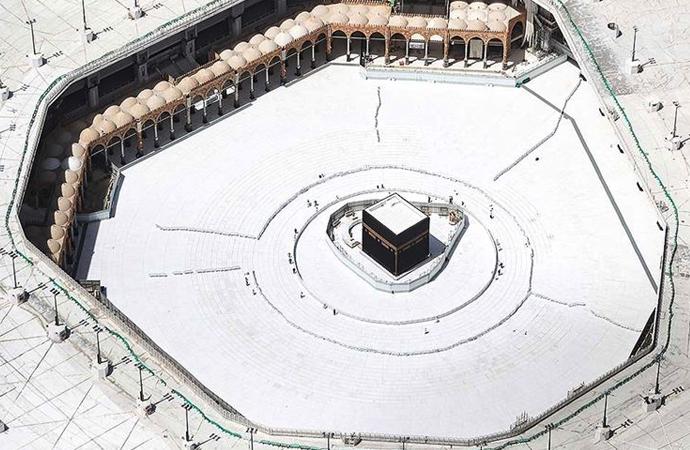 Kabe'ye 20 bin umre ziyaretçisinin girişine izin verilecek