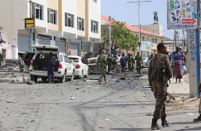 Mogadişu'da kanlı saldırı: 6 ölü
