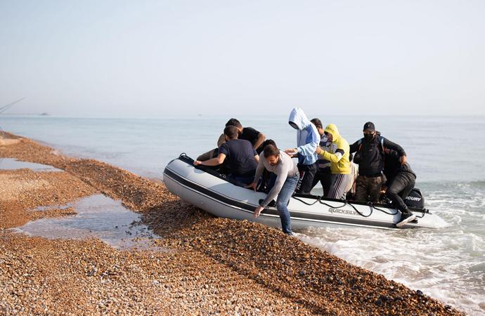 İngiltere ve Fransa göçle mücadele anlaşması imzaladı