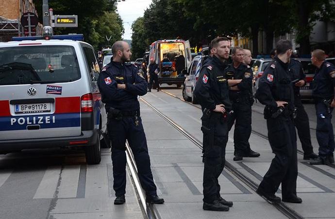 Avusturya polisinin Müslümanlara sorduğu sorular tepki çekti