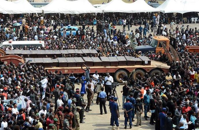 Nijerya'da kamyon pazara girdi: 20 ölü