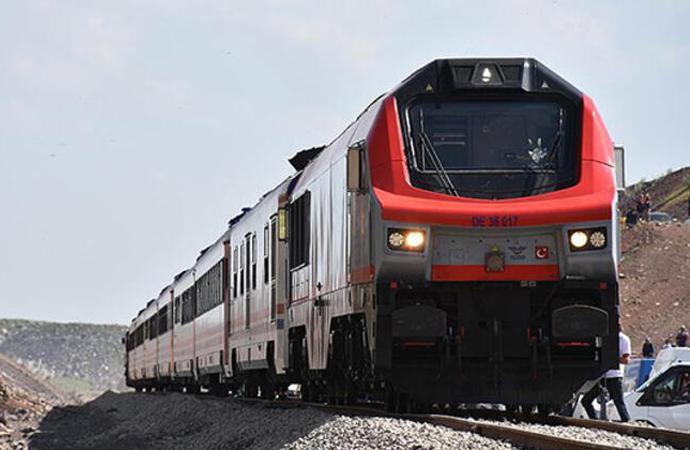 Kars-Iğdır'dan Nahçıvan'a doğru 230 kilometre demiryolu