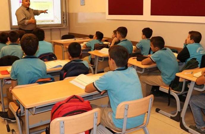 Okullarda yüz yüze eğitimde üçüncü aşama bugün başladı