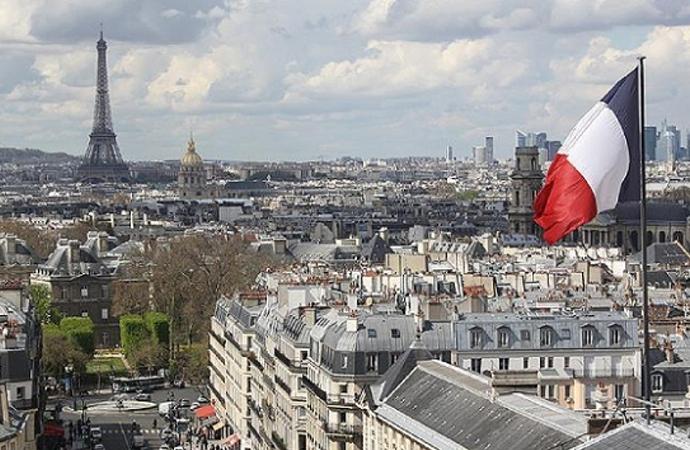 Fransa'da, sekülarizmi eleştiren makale yayından kaldırıldı