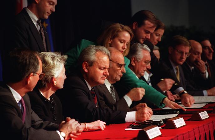 Dayton anlaşmasının barışçıl yollarla ortadan kaldırılması bir hayaldir
