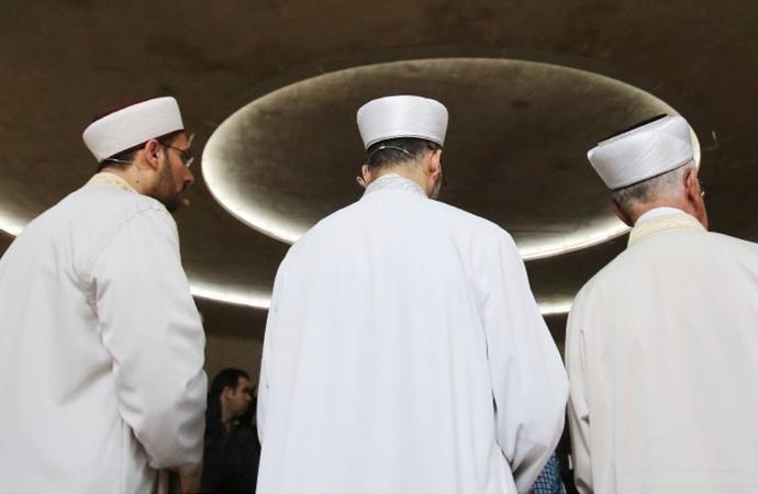 İslam Konferansı'nın konusu Alman camilerindeki imamlar