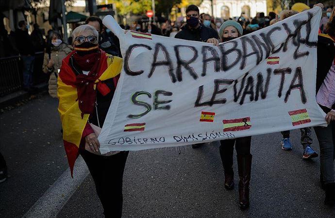 İspanya'da kovid önlemlerine 'polis derneğinden' protesto