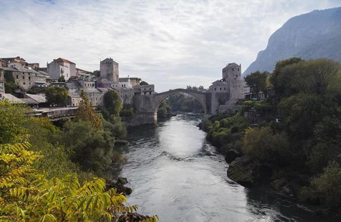 Neretva Nehri'nin 'Osmanlı gerdanlığı': Mostar Köprüsü