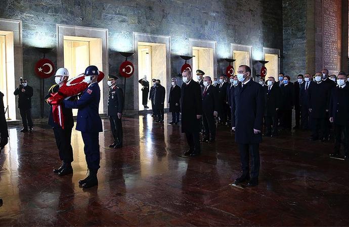 Erdoğan Anıtkabir'de: Cumhuriyetimiz ilelebet yaşayacak