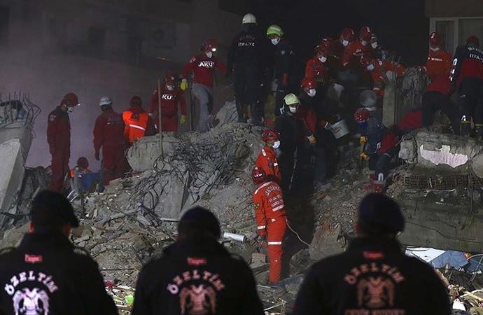 İzmir'deki depremde can kaybı 102'ye yükseldi