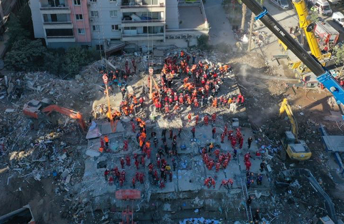Rıza Bey Apartmanı'nın yıkılmasının güvenlik kamerası kaydı ortaya çıktı