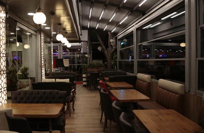 Ankara'da saat 22.00'den sonra işletmeler kapatıldı