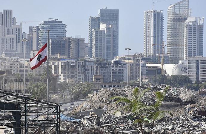 Beyrut Limanı'ndaki ağır enkaz kaldırılmadı