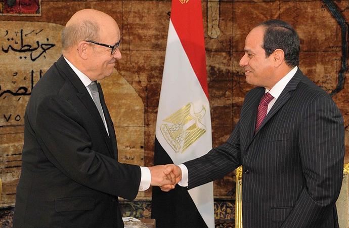 Fransa Dışişleri Bakanı, Mısır Cumhurbaşkanı ile görüştü