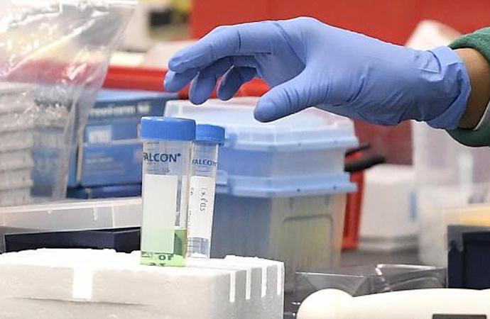 Kovid-19 aşısında öncelik Amerikalılara verilecek!
