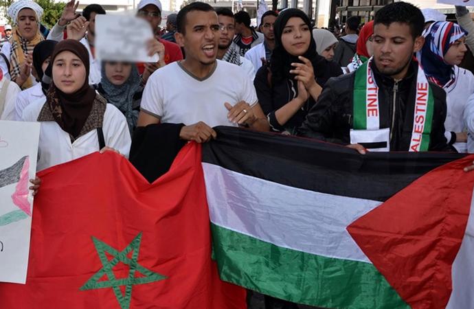 İsrail'le anlaşma kararı Faslıları ikiye böldü