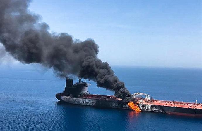 Suudi Arabistan'da limandaki bir petrol tankerinde patlama