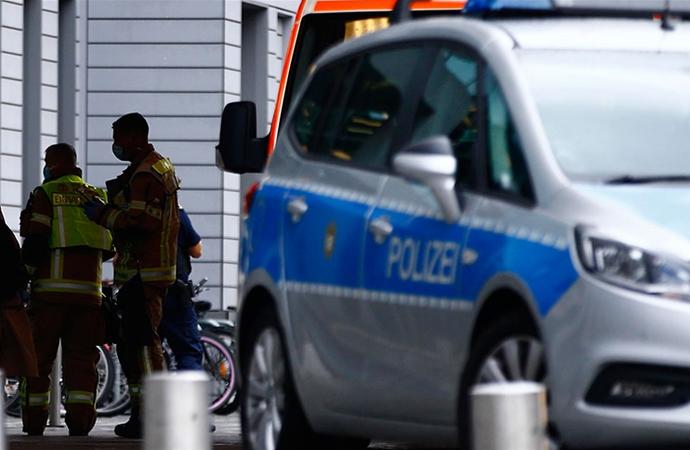 Almanya'da bir araç yayalara çarptı: 2 ölü, 10 yaralı