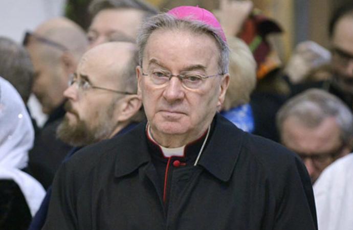 Vatikan'ın eski Paris Büyükelçisine 'cinsel saldırıdan' hapis cezası