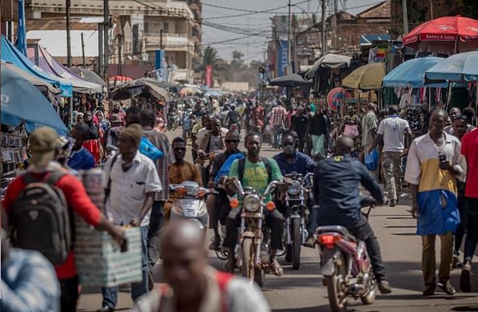 Fransa'nın Afrika ile adil olmayan ekonomik ilişkileri