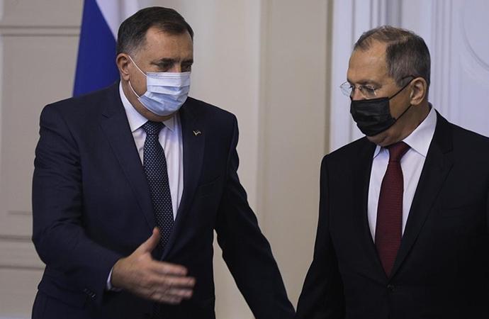 Bosnalı Sırp liderin Lavrov'a hediye ettiği ikona tartışma çıkardı
