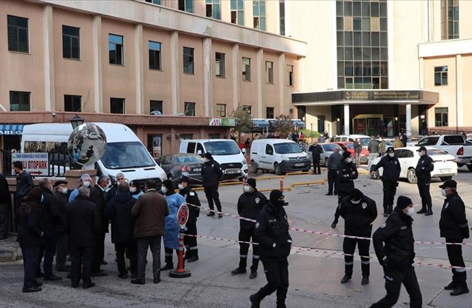Gaziantep'te hastanede çıkan yangında hayatını kaybedenlerin sayısı 10'a yükseldi
