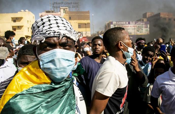 Sudan'da protesto: Laikliğe ve hayat pahalılığına hayır