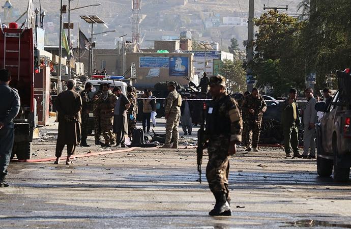 Kabil'de milletvekilinin konvoyuna bombalı saldırı: 8 ölü