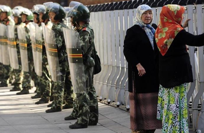 Çin, Uygur bölgesinde kısıtlamaları gevşetmeyeceği sinyalini verdi