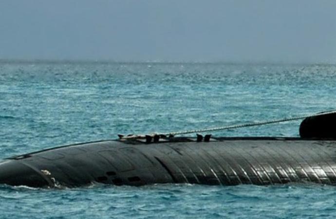 İsrail denizaltısı, İran'a gözdağı için Basra körfezinde