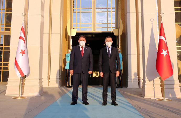 Türkiye'den KKTC'ye 800 milyon lira destek
