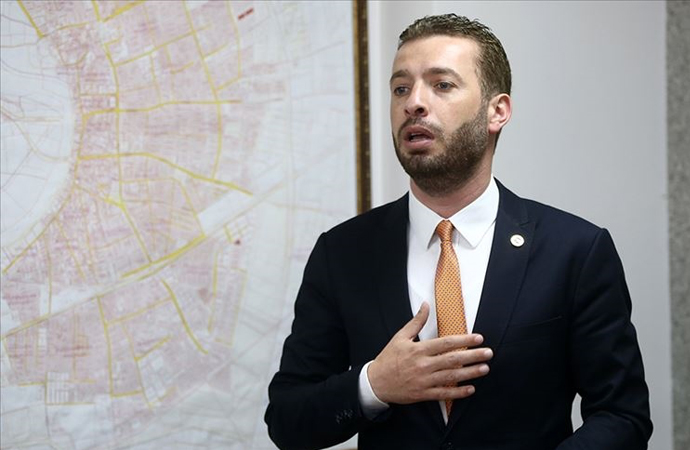Rüşvet soruşturmasında Ceyhan eski Belediye Başkanı tutuklandı