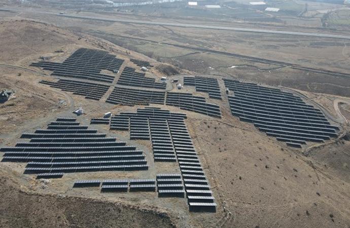Tarıma elverişsiz arazide güneş enerjisinden elektrik üretimi