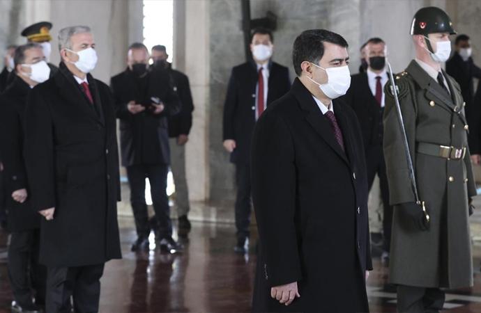 Ankara valisi ve Belediye başkanı Anıtkabir'i ziyaret etti