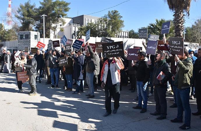 Rasulayn'da halk YPG/PKK'yı protesto etti