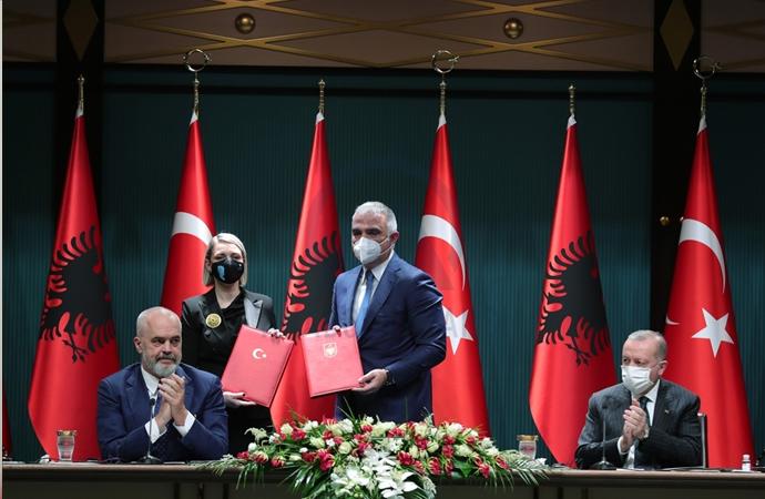 Türkiye-Arnavutluk arasında birçok anlaşma imzalandı