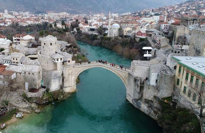 Bosna Hersek'te barış kimlerin ellerinde?