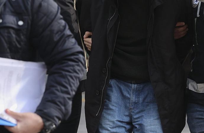 Adana'da aralasında polislerin de olduğu suç örgütüne operasyon