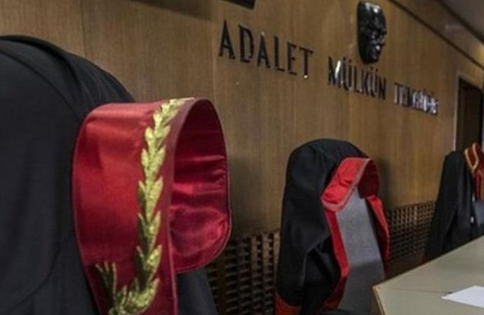 İki askeri hakim meslekten ihraç edildi